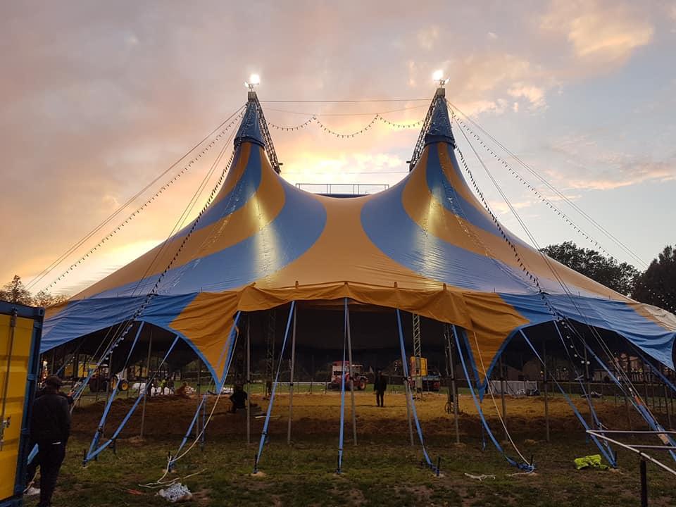 Tentopbouw circus Maximum nu op Circusweb nieuws